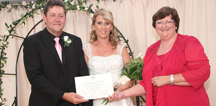 Brisbane Celebrant - Eileen Riley can help you plan the wedding ceremony of your choice - Brisbane, Redland, Logan, Ipwsich.